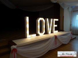 Napis LOVE wypożyczenie